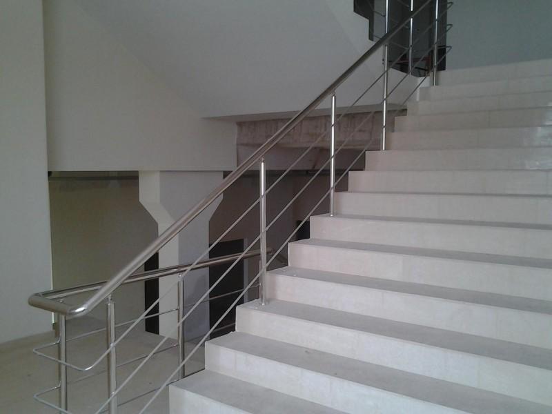 Стоимость изготовления перил для лестницы