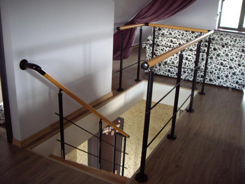 http://skprofkomplekt.ru/railing/iz-nerzhaveyuschey-stali
