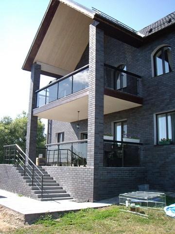 балкон со стеклом